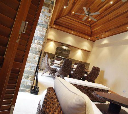 Contemporary-home-alfresco.jpg