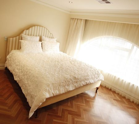 Contemporary-home-bed-2.jpg