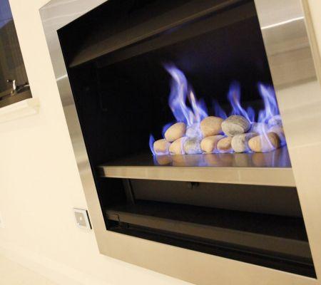 Karrinyup-home-fireplace.jpg