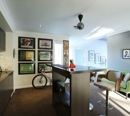 Modern-home-gamesroom.jpg